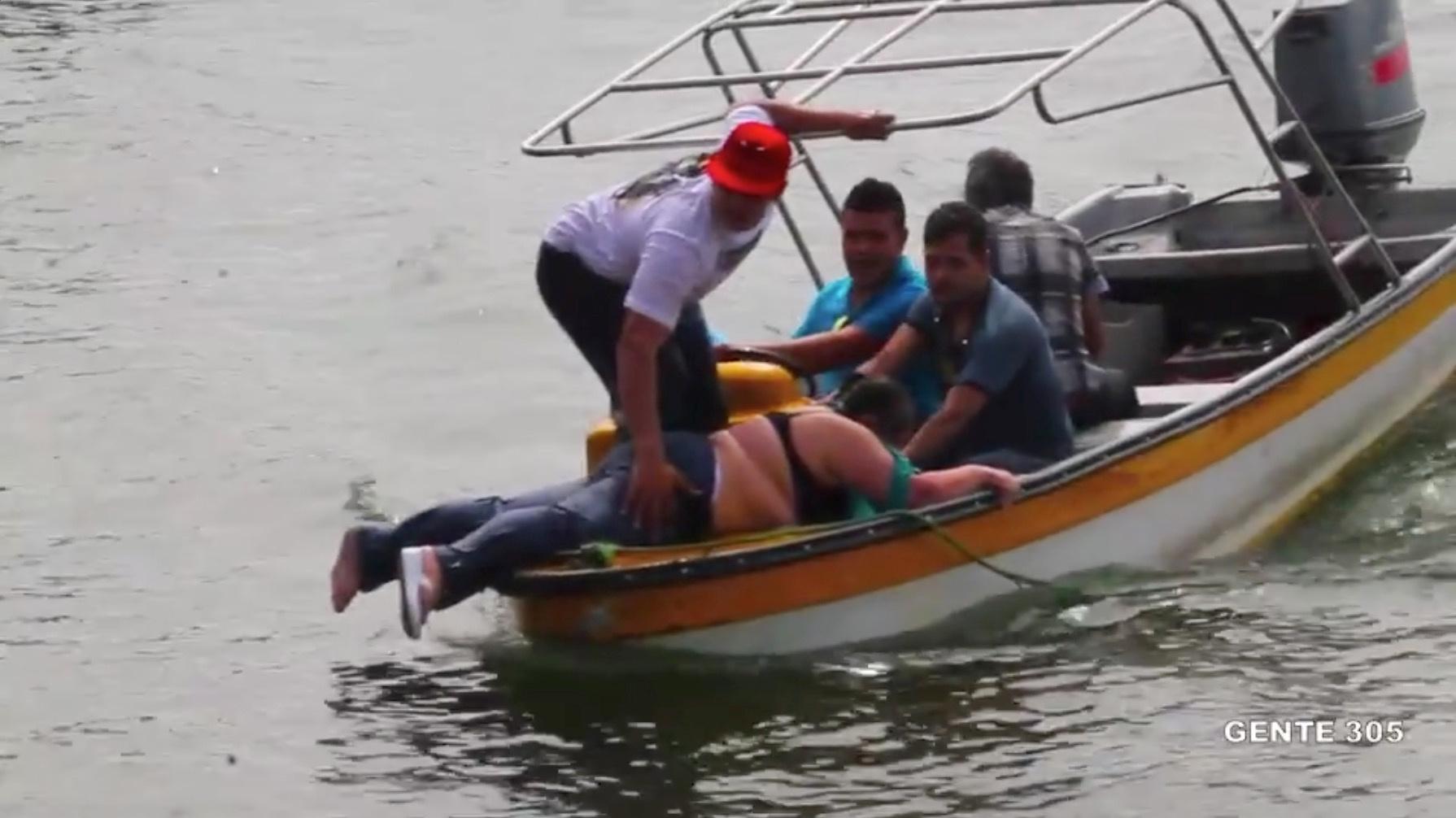 Video hiện trường chìm tàu du lịch chở 170 người tại Colombia - Ảnh 2