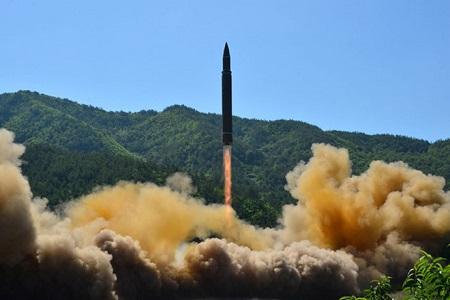 Triều Tiên có dấu hiệu chuẩn bị thử tên lửa đạn đạo mới - Ảnh 1