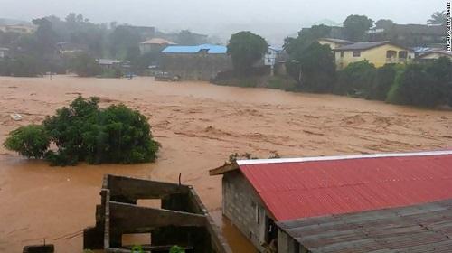 Lở đất nghiêm trọng ở Sierra Leone, hơn 200 người thiệt mạng - Ảnh 1
