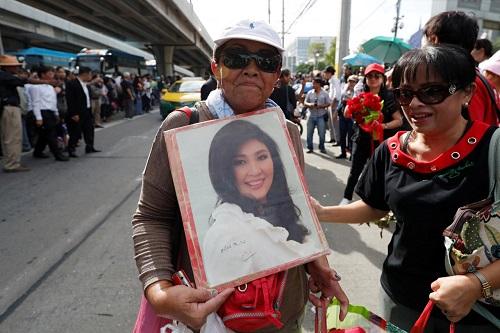 Thái Lan: Cựu Thủ tướng Yingluck chạy trốn vào phút cuối vì quá sợ hãi - Ảnh 1