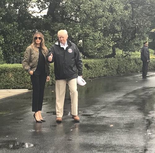 Vợ Tổng thống Trump bị chỉ trích vì đi giày cao gót đến thăm vùng tâm bão - Ảnh 1