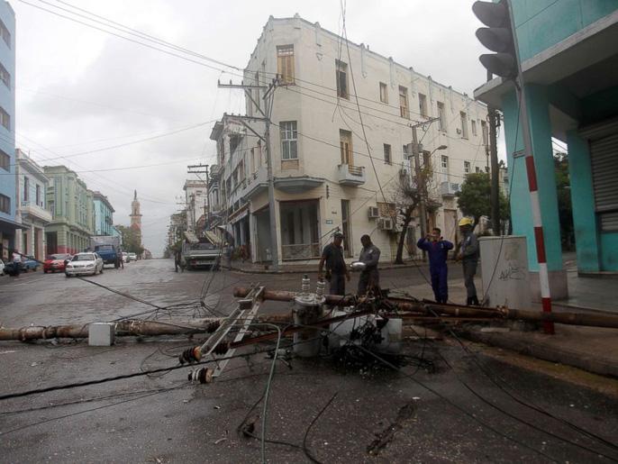 Bão Irma gây sóng cao 6 m, biến thủ đô Cuba thành 'bể nước lớn' - Ảnh 3