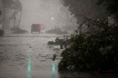Nước Mỹ hứng chịu thiệt hại nặng nề do siêu bão Irma gây ra - Ảnh 1