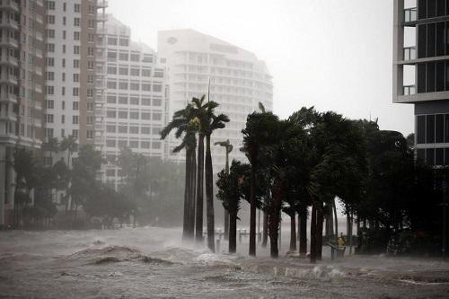 Nước Mỹ hứng chịu thiệt hại nặng nề do siêu bão Irma gây ra - Ảnh 2