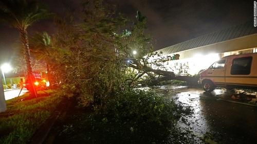 Nước Mỹ hứng chịu thiệt hại nặng nề do siêu bão Irma gây ra - Ảnh 3