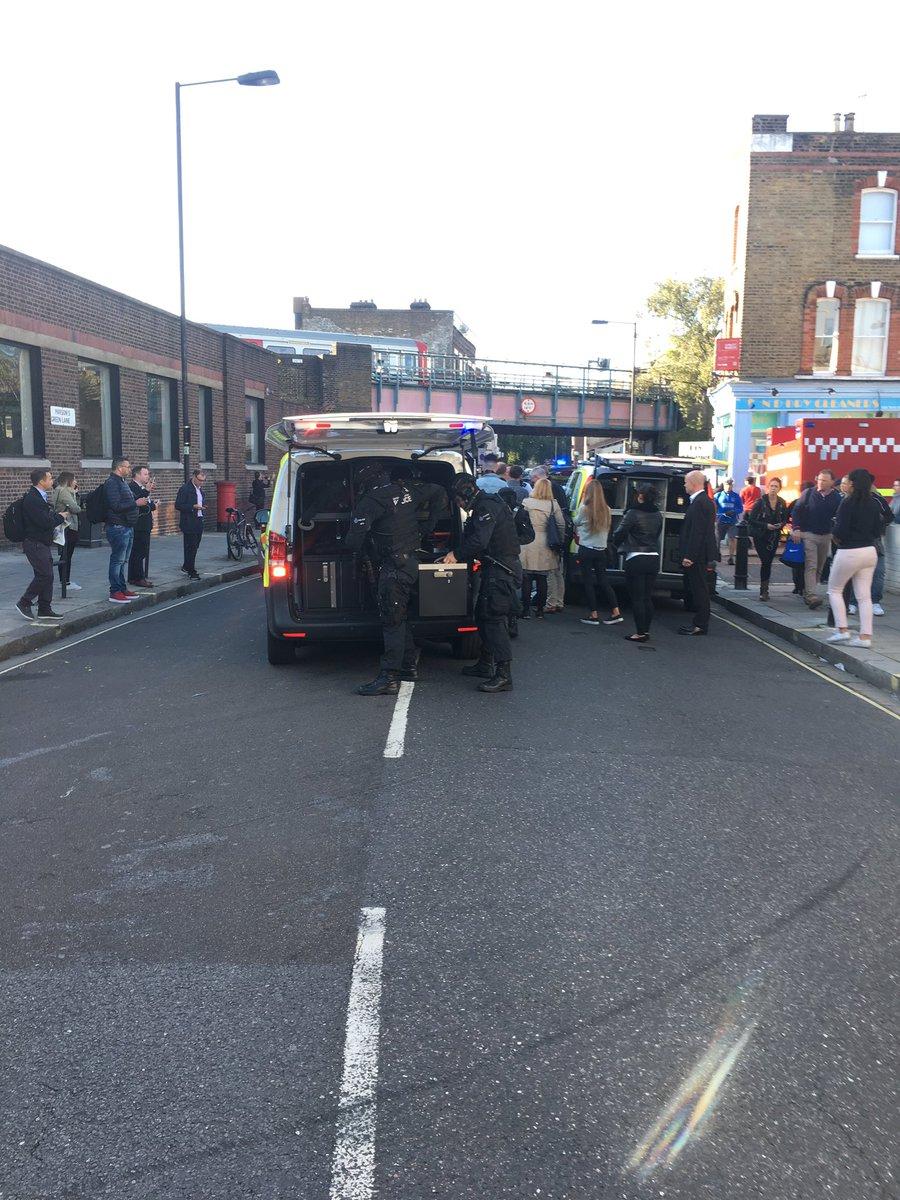 Tấn công khủng bố trên tàu điện ngầm ở London - Ảnh 3