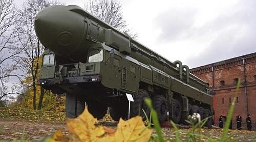 Nga thử tên lửa thành công tên lửa đạn đạo Topol mang đầu đạn mới - Ảnh 1