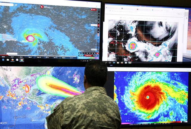 Siêu bão mạnh nhất trong 30 năm chuẩn bị đổ bộ Mỹ - Ảnh 10