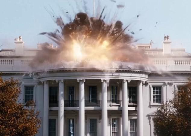 IS tung video cắt ghép từ phim Hollywood, dọa tấn công Nhà Trắng - Ảnh 2