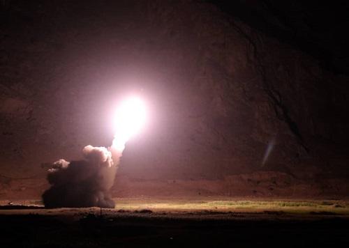 Video Iran dội tên lửa tiêu diệt chủ mưu vụ khủng bố đoàn diễu binh làm 30 người chết - Ảnh 3