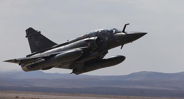 Máy bay chiến đấu Pháp ném bom trúng nhà máy sản xuất phụ tùng ô tô - Ảnh 1