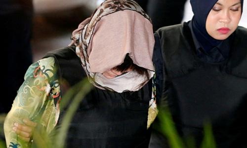 Sáng nay (16/8), Đoàn Thị Hương mặc áo chống đạn đến phiên tuyên án - Ảnh 3