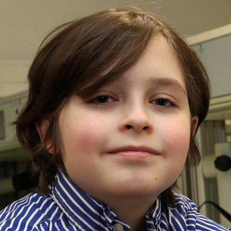 Giật mình cậu nhóc 9 tuổi làm được bài kiểm tra Toán đại học - Ảnh 3