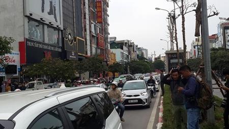 Khám nghiệm hiện trường quán karaoke 68 Trần Thái Tông - Ảnh 3