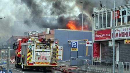 Trận hỏa hoạn thiêu rụi khu chợ người Việt ở Australia - Ảnh 2