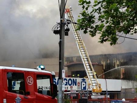 Trận hỏa hoạn thiêu rụi khu chợ người Việt ở Australia - Ảnh 3