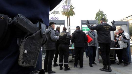 Paris: Cảnh sát Pháp tự sát sau vụ xả súng khiến 3 người thiệt mạng - Ảnh 1