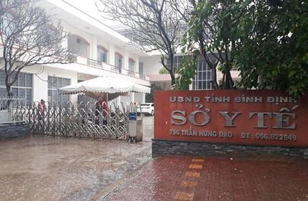 Vụ 20 cán bộ Sở Y tế Bình Định nghỉ đi lễ: Tỉnh yêu cầu kiểm điểm - Ảnh 1