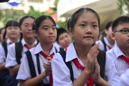 Bộ trưởng Phùng Xuân Nhạ yêu cầu nhanh chóng chấn chỉnh đạo đức nhà giáo - Ảnh 1