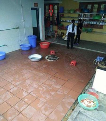 Sở GD-ĐT Lào Cai báo cáo vụ giáo viên dọa thả học sinh vào máy vặt lông gà - Ảnh 3