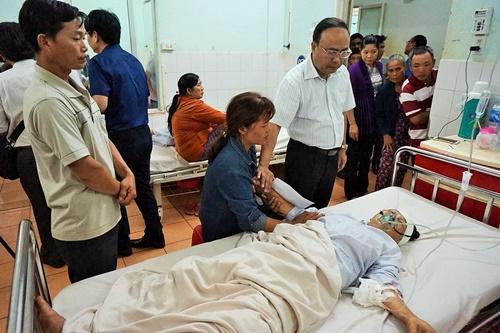 Vụ tai nạn 13 người chết ở Gia Lai: 26 nạn nhân đang điều trị tại bệnh viện - Ảnh 1