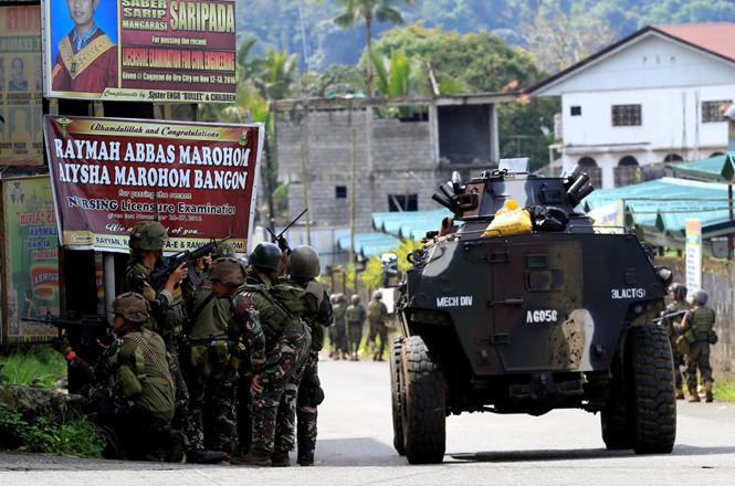 Chiến sự ở Marawi: Quân đội Philippines không kích nhầm, 10 binh sĩ thiệt mạng - Ảnh 1