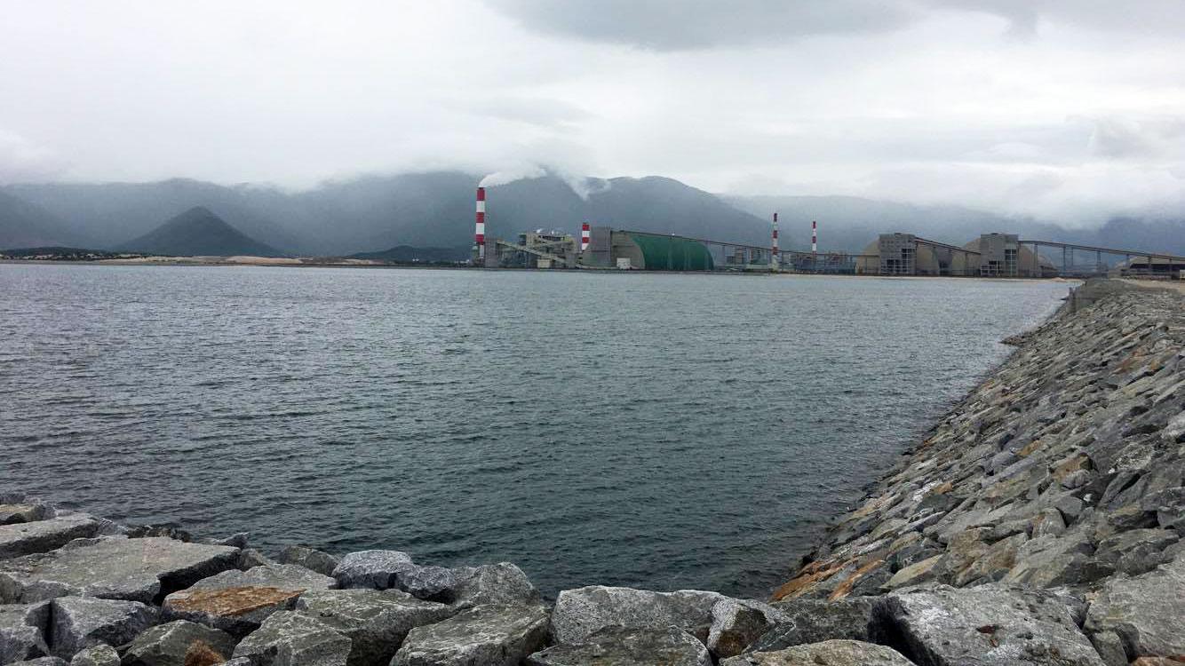 Bộ TN-MT lên tiếng vụ Formosa lấn 300ha biển làm bãi xỉ - Ảnh 1