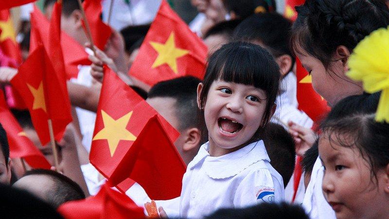 Chú ý: Học phí các trường công lập Hà Nội sẽ tăng gần 40% năm học 2017 – 2018 - Ảnh 1