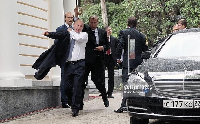 Nhân viên bảo vệ nơi ở của Tổng thống Putin tại G20 bị tấn công - Ảnh 1