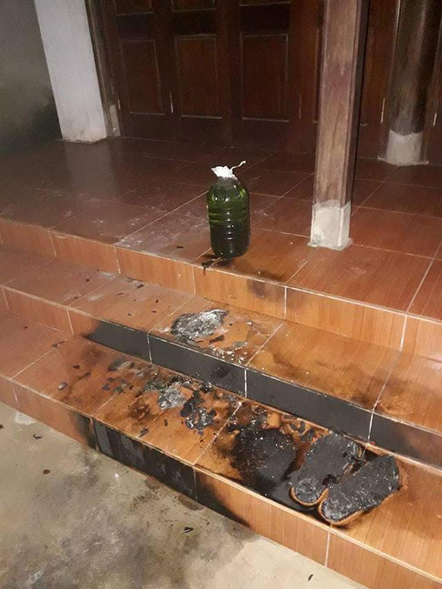 Táo tợn châm lửa đốt nhà nguyên Bí thư Huyện ủy trong đêm - Ảnh 1