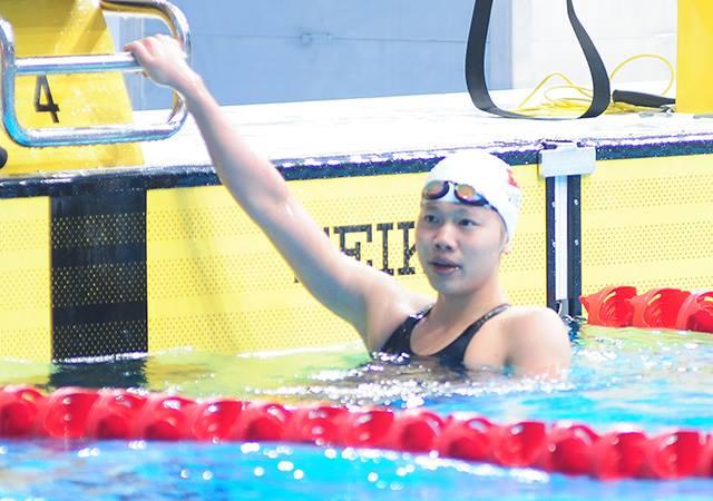 """Ánh Viên hụt """"mục tiêu vàng"""", bị loại ngay vòng loại 100m bơi bướm - Ảnh 1"""