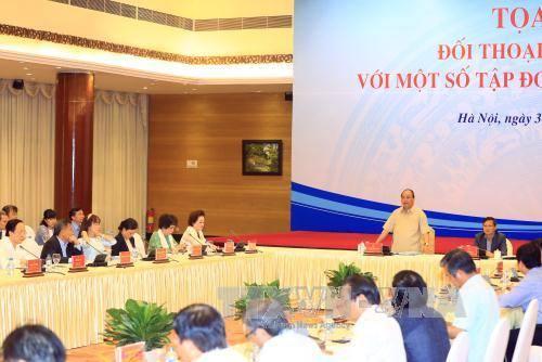 Thủ tướng Nguyễn Xuân Phúc đối thoại chính sách với một số Tập đoàn kinh tế tư nhân - Ảnh 1