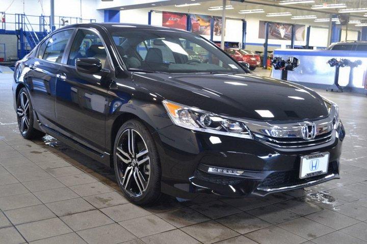 """Honda lại giảm giá """"sốc"""" 192 triệu đồng cho mẫu xe Accord - Ảnh 1"""