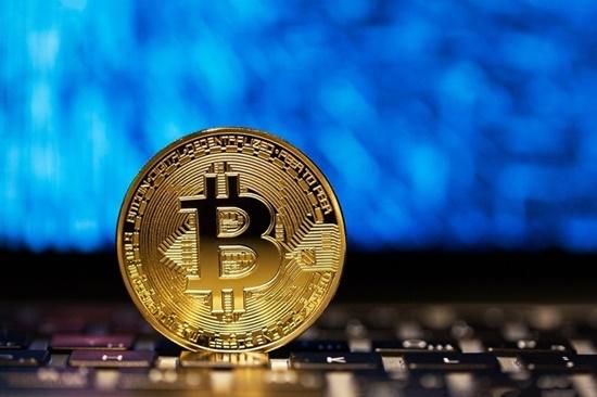 Giá bitcoin hôm nay 27/2/2018: Bất ngờ tăng sốc 1.100 USD - Ảnh 1