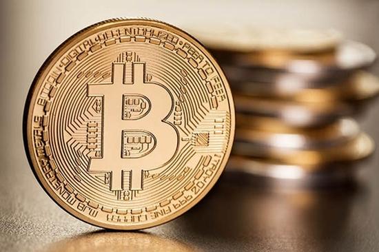 """Giá Bitcoin hôm nay 1/3/2018: Luẩn quẩn trong """"vòng tròn"""" 10.000 USD - Ảnh 1"""