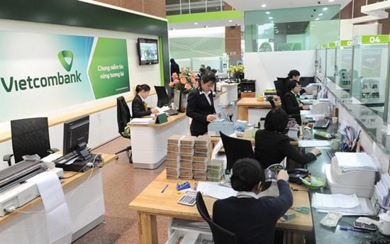 Vietcombank tăng phí SMS Banking lên 11.000 đồng, người dùng tính chuyển ngân hàng - Ảnh 1