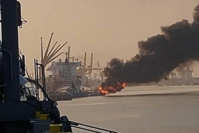 Bộ trưởng Công an chỉ đạo khắc phục sự cố vụ cháy tàu xăng dầu ở cảng Đình Vũ - Ảnh 1