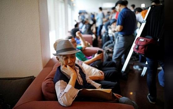 Xúc động các gia đình Hàn Quốc tới Triều Tiên đoàn tụ với thân nhân sau 65 năm chia cách - Ảnh 2