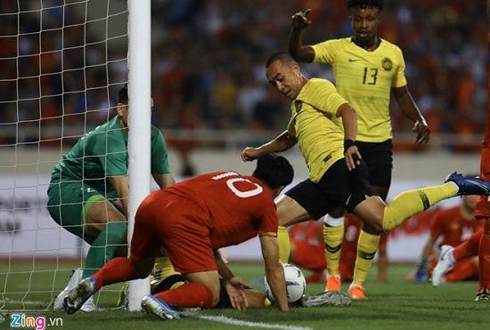 Trận Việt Nam- Malaysia (1-0): Chiến thắng ngọt ngào, Quang Hải toả sáng - Ảnh 2