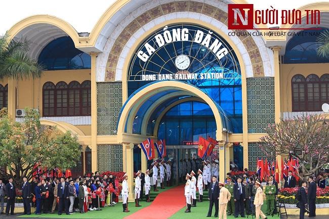 [Trực tiếp] Cận cảnh lực lượng an ninh dày đặc quanh khách sạn nơi Chủ tịch Kim Jong-un vừa có mặt - Ảnh 28