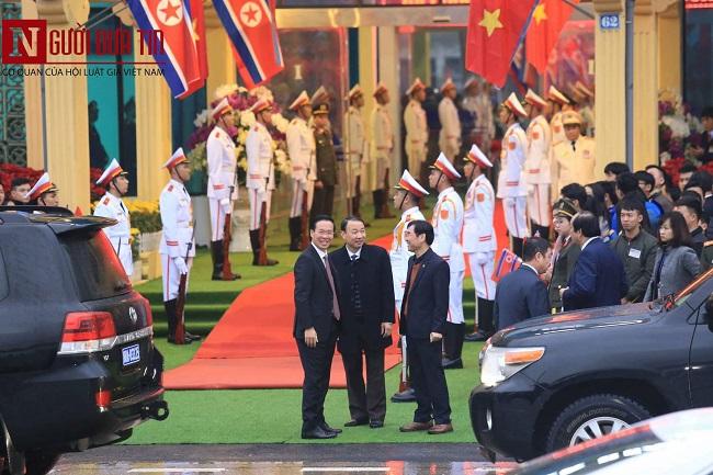 [Trực tiếp] Cận cảnh lực lượng an ninh dày đặc quanh khách sạn nơi Chủ tịch Kim Jong-un vừa có mặt - Ảnh 33