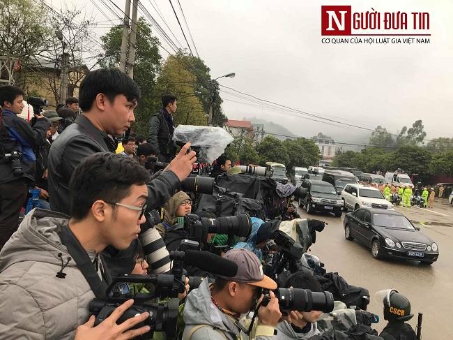 [Trực tiếp] Cận cảnh lực lượng an ninh dày đặc quanh khách sạn nơi Chủ tịch Kim Jong-un vừa có mặt - Ảnh 34