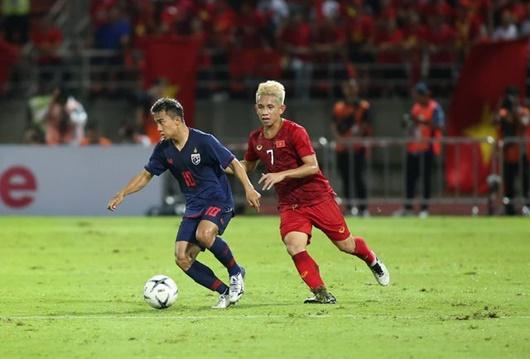 Việt Nam 0 - 0 Thái Lan vòng loại World Cup 2022: Bất phân thắng bại, tuyển Việt Nam có 1 điểm trên đất Thái - Ảnh 2
