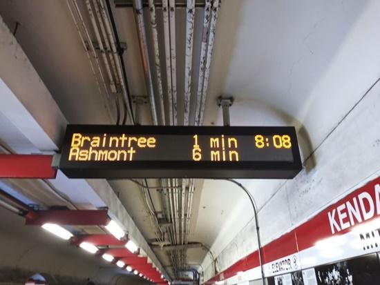 Tàu điện ngầm bang Massachusetts thời Covid-19 - Ảnh 2