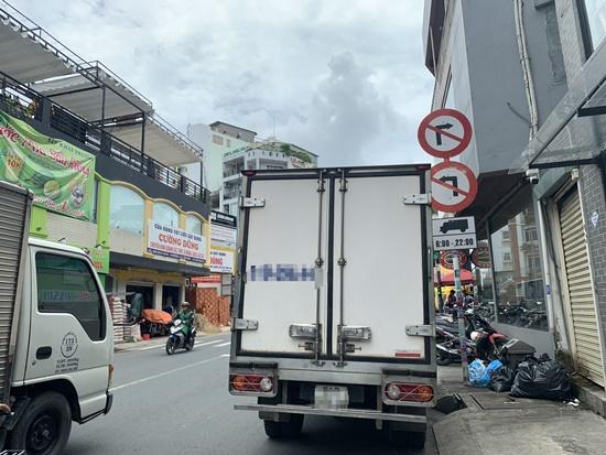 """Sở GTVT TP.HCM cấm xe trên nhiều tuyến đường vào sân bay, doanh nghiệp """"khóc ròng"""" - Ảnh 2"""