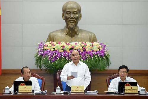 Thủ tướng: Cần cả quyết tâm và giải pháp để tăng trưởng 6,3-6,5% - Ảnh 1
