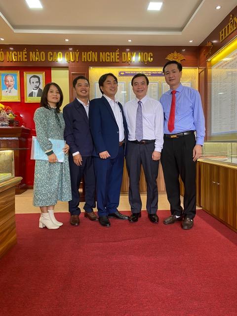 Trường THPT Hà Huy Tập : Tự hào 20 năm xây dựng và phát triển - Ảnh 6