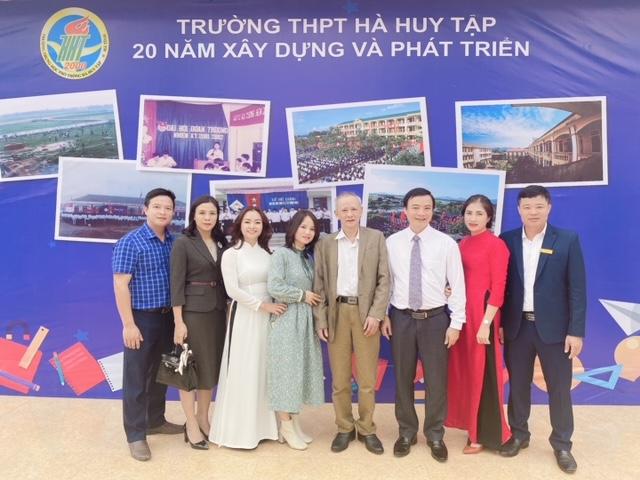 Trường THPT Hà Huy Tập : Tự hào 20 năm xây dựng và phát triển - Ảnh 5