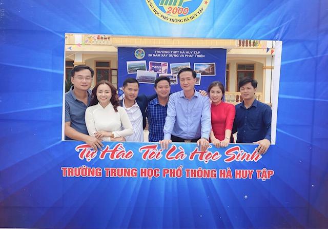Trường THPT Hà Huy Tập : Tự hào 20 năm xây dựng và phát triển - Ảnh 7