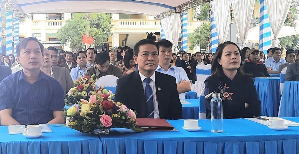 Trường THPT Hà Huy Tập : Tự hào 20 năm xây dựng và phát triển - Ảnh 1